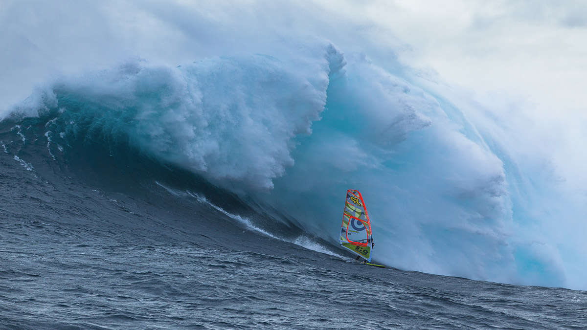 alastair mcleod preparing to windsurf pedra branca tasmania for red bull