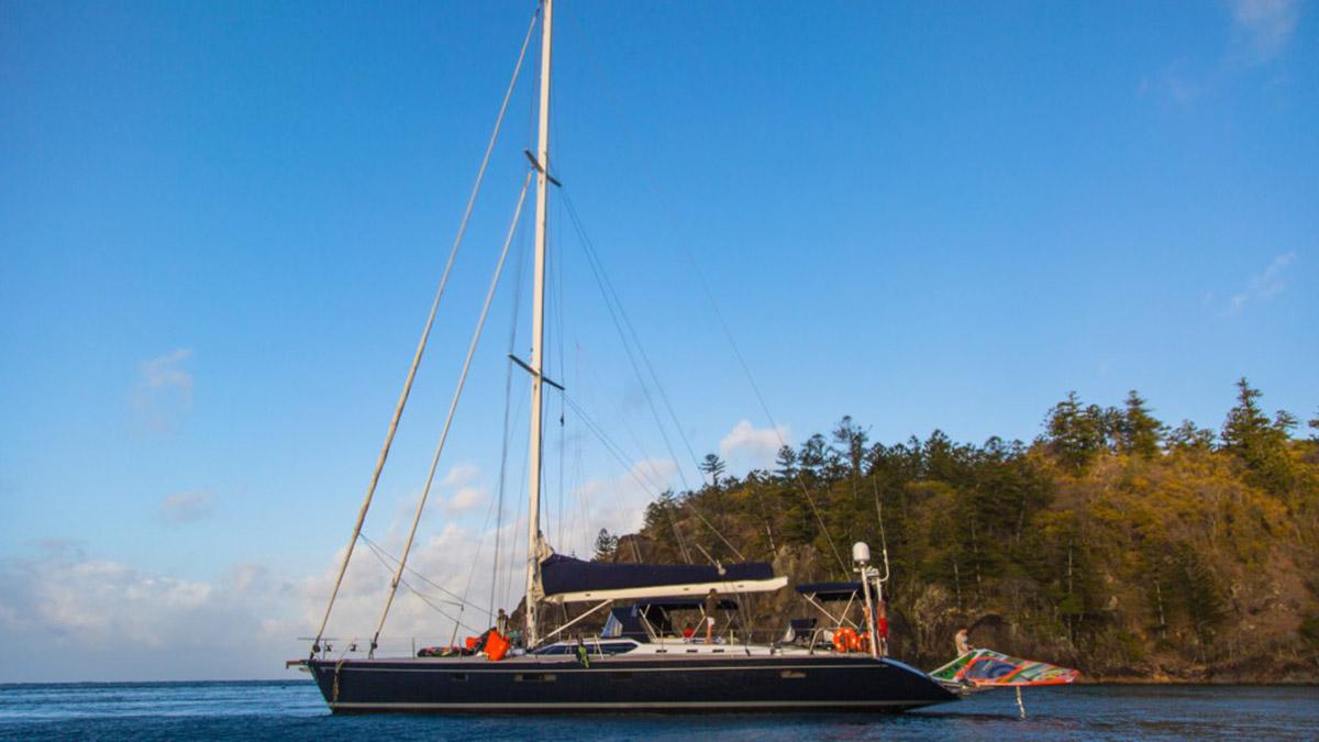 alastair mcleod windsurfing in the whitsundays on the le cochon noir v yacht