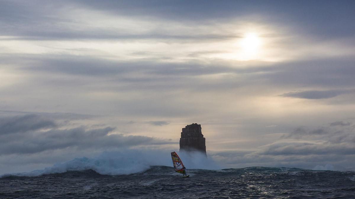 alastair mcleod preparing to windsurf pedra branca tasmania for red bull