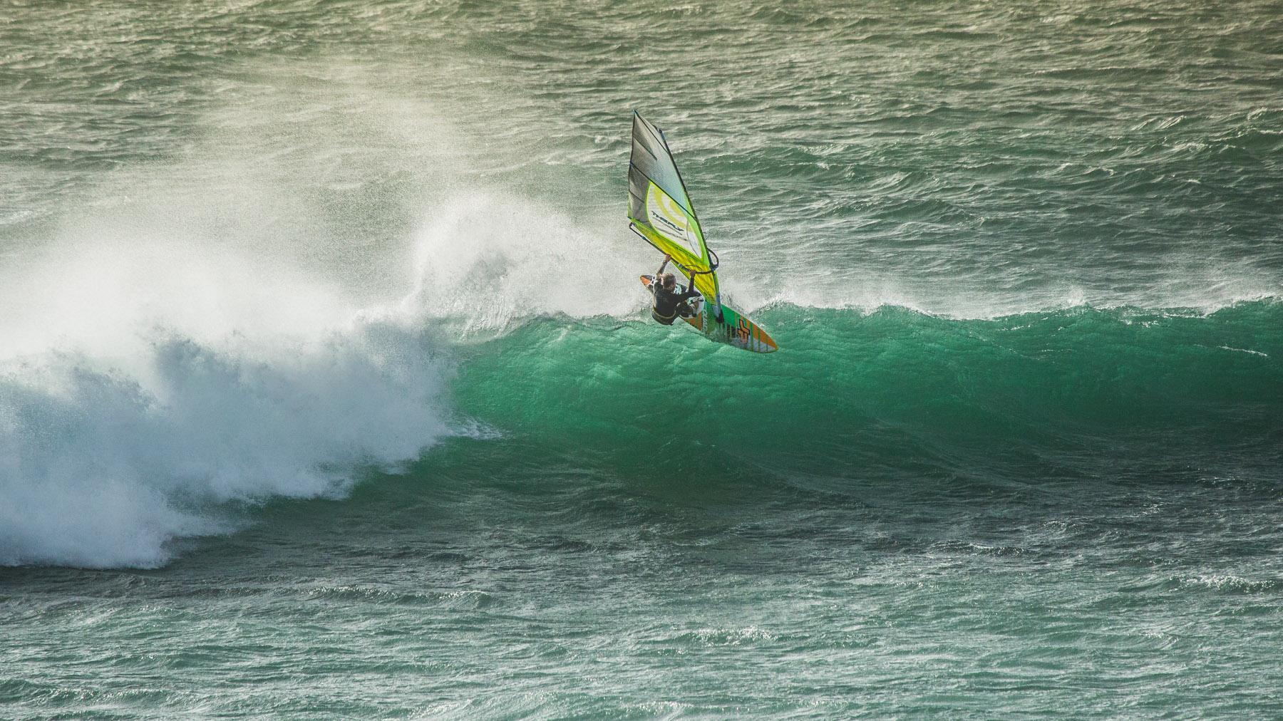 alastair mcleod windsurfing cat bay phillip island