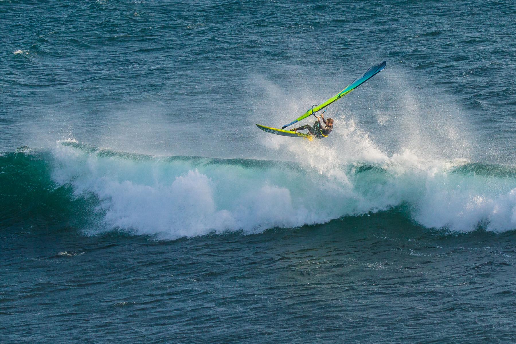 alastair mcleod windsurfing flynns reef on phillip island